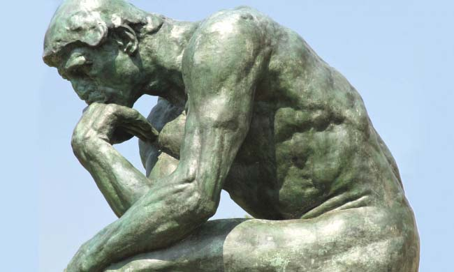 El Pensador de Rodin en la Galería Nelson-Atkins de Kansas City.