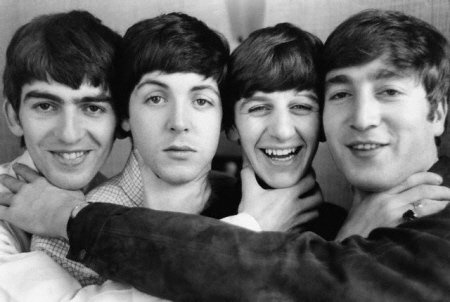 Paul Harrison, Ringo Starr, Paul McCartney y John Lennon.